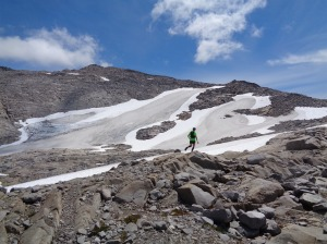 Running past the Hinman Glacier