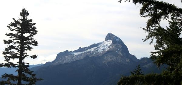 3-glimpses-of-sloan-peak-through-the-trees